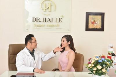Cần thăm khám và tư vấn của các bác sĩ thẩm mỹ trước khi thực hiện nâng mũi