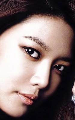 Mũi Demi -5D mềm mại, thanh tú phù hợp với vẻ đẹp đậm chất Á Đông.